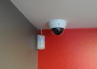 installation d'une alarme et d'un système de vidéosurveillance dans un garage automobile